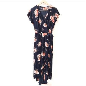 Dresses & Skirts - Floral Dress •lowest price•